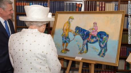 queen-portrait-